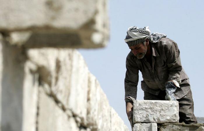 قطاعات عدة في لبنان تفرغ من عمالها الأجانب