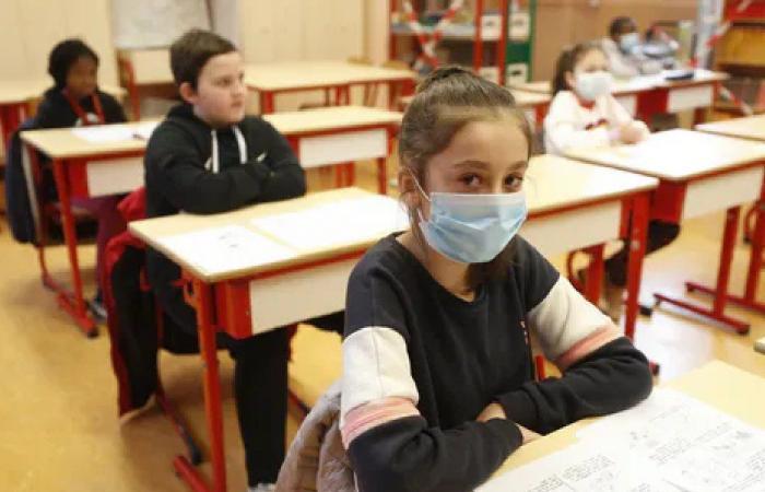 عام دراسي آخر مع كورونا… وإدارات المدارس تشعر بالضيق