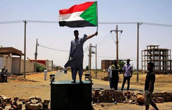 """رئيس الوزراء السوداني: """"انعتقنا"""""""