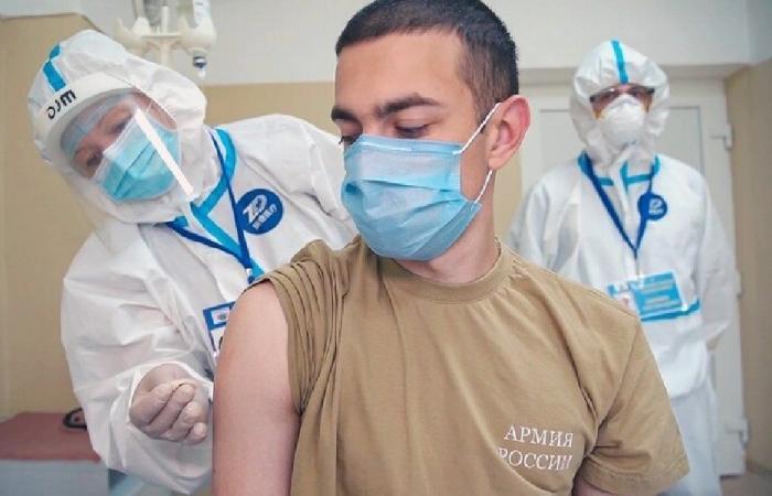 """روسيا تعلن انطلاق التطعيم الجماعي ضد """"كورونا"""""""