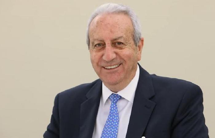 قاطيشا: اللبنانيون يطالبون حسن بإطلاعهم على خطة التلقيح