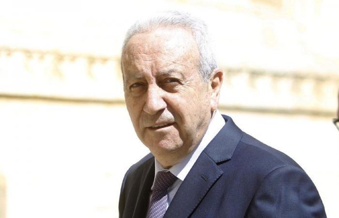 قاطيشه: بعض الوزراء يتصرّف كأعضاء في الحكومة السورية