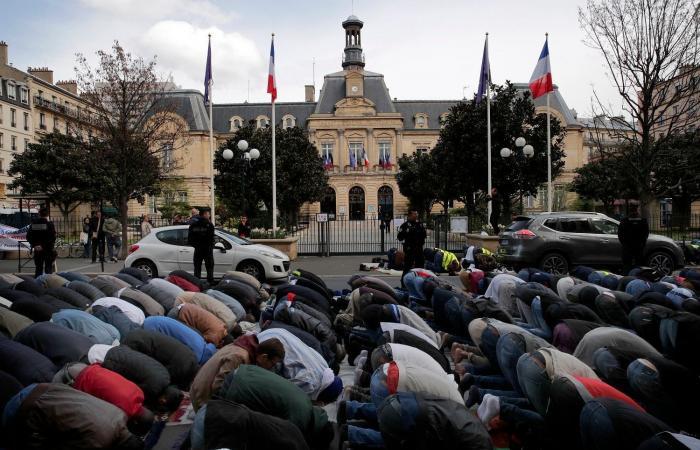 مدعومة من أنقرة.. 3 هيئات إسلامية تغرد خارج سرب باريس