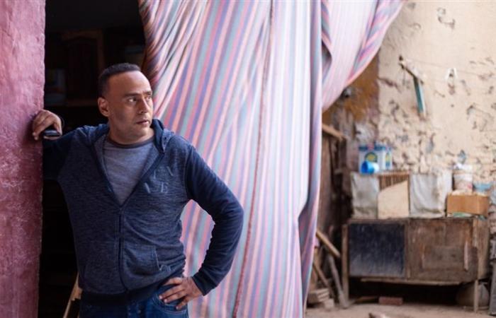 """مخرج """"حلوة الدنيا سكر"""" يشيد بأداء محمود عبدالمغني في حكاية """"الجريمة لا تفيد"""""""