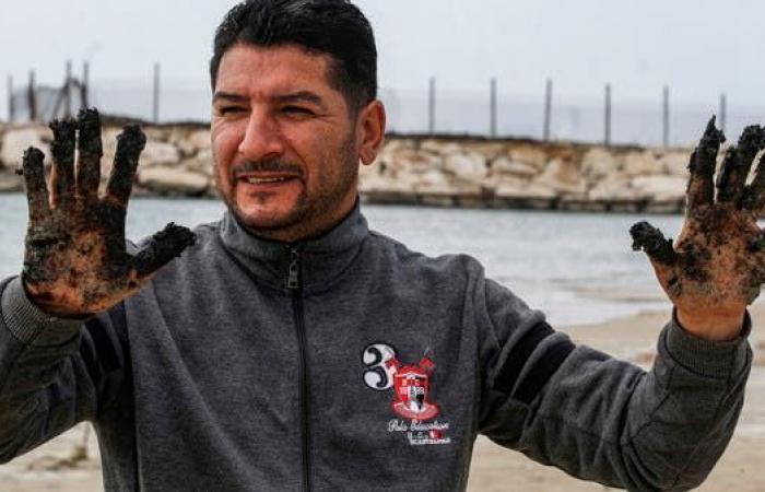 """""""آثارها قد تمتد عقوداً"""".. كارثة بيئية في البحر المتوسط"""