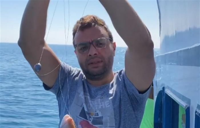 رامي صبري في رحلة صيد بحرية ويعلق: ملك الصيد