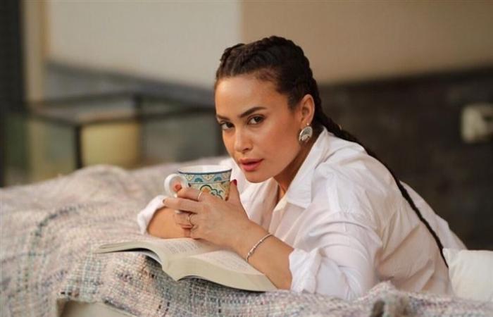 """هند صبري تعلن عن فريق مسلسل """"البحث عن علا"""""""