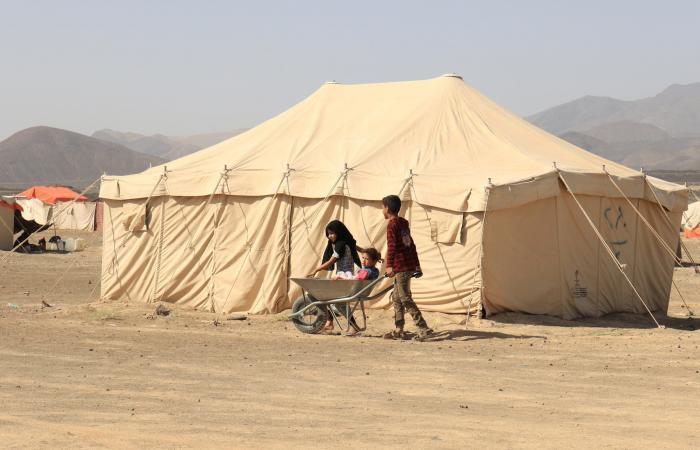 اليمن يحذر من كارثة بمأرب.. مليونا نازح فروا من عنف الحوثي
