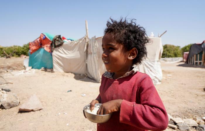 مأرب.. الحوثي يستخدم النازحين دروعاً بشرية