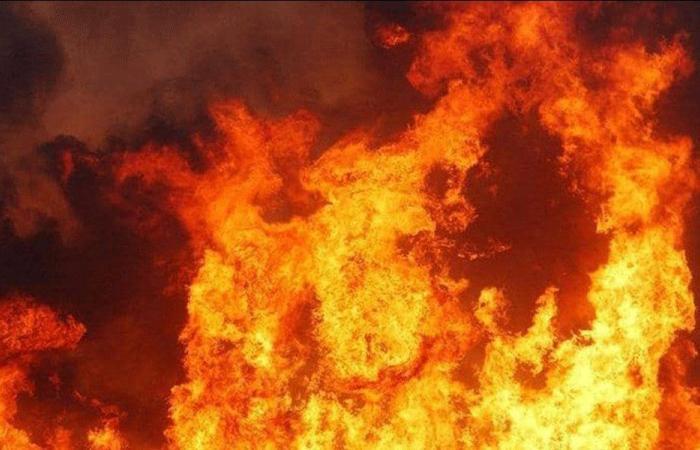جرحى في حريق والدفاع المدني يواجه صعوبة في إخماد النيران