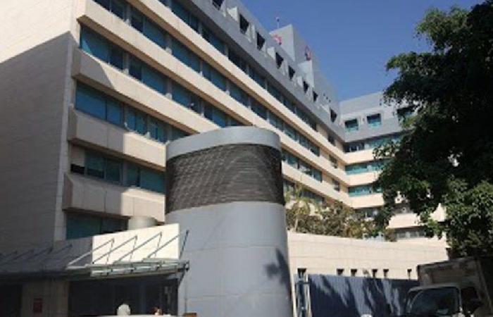 مستشفى الروم: لم يتم تلقيح اي شخص من خارج المنصة