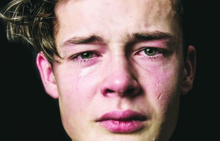طفلي المراهق… حزين