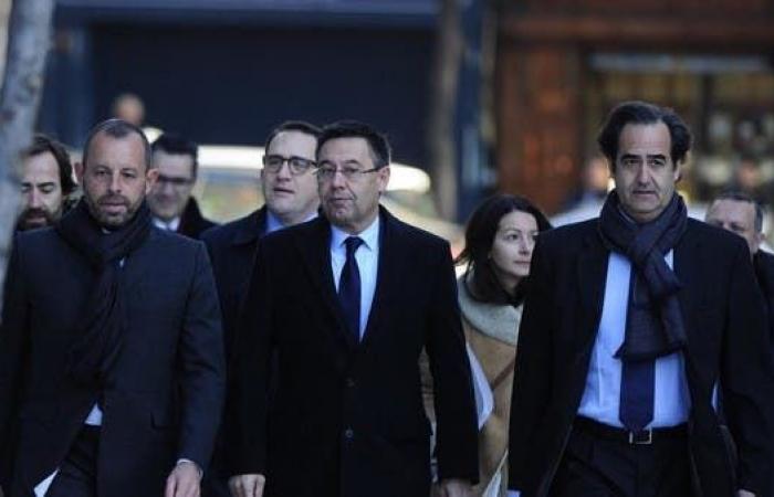 بارتوميو يرفض الشهادة.. والمحكمة تطلق سراحه