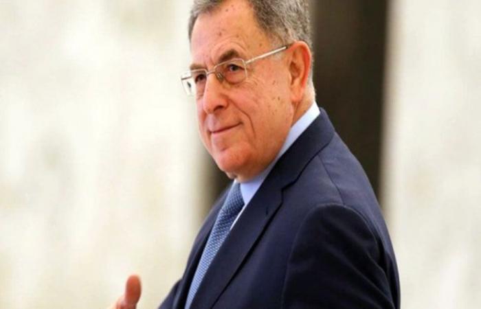 السنيورة عرض الأوضاع مع السفير المصري