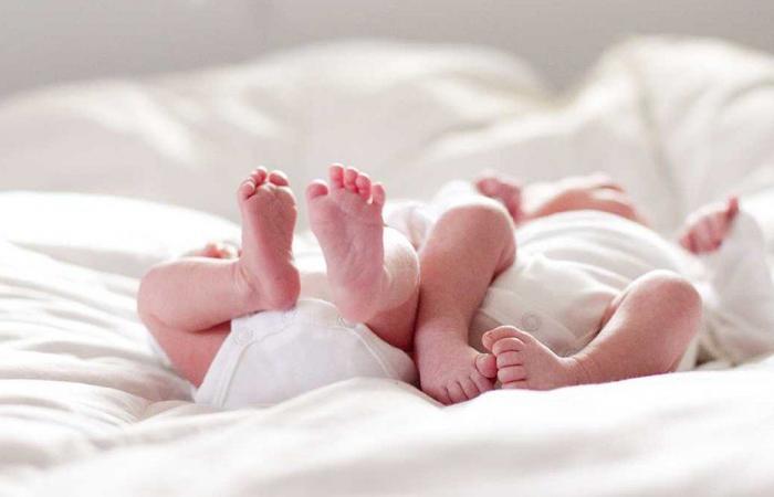 التدليك للمولود الصغير… وأهميته النفسية