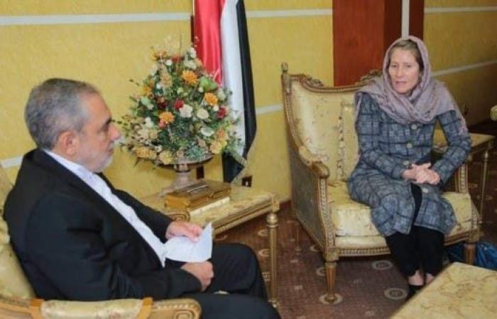 اليمن يحتج على لقاء مسؤولة الصليب الأحمر بضابط إيراني بصنعاء