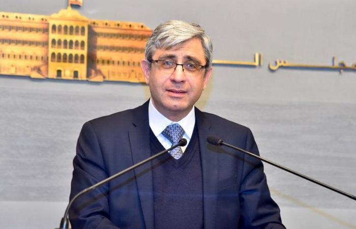 وزير التربية: لتأمين المطالب أو لا مدارس!