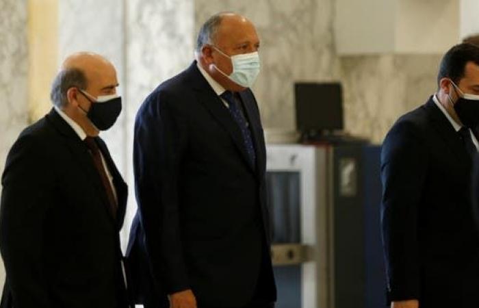 مصر على خط أزمة الحكومة اللبنانية.. ورسالة دعم