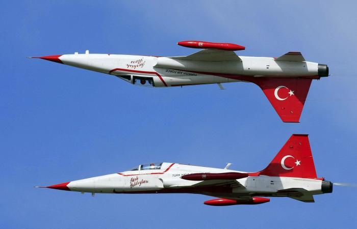 تحطم مقاتلة تركية ومصرع قائدها.. والسبب مجهول