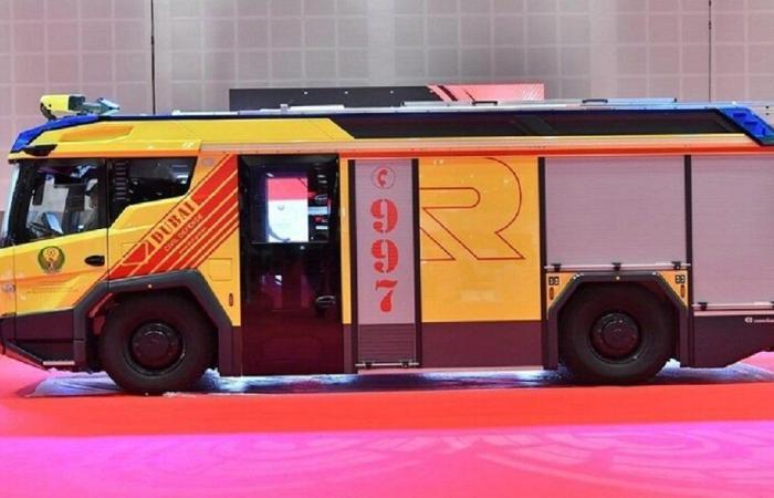 دبي تدشن أول عربة إطفاء كهربائية في الشرق الأوسط
