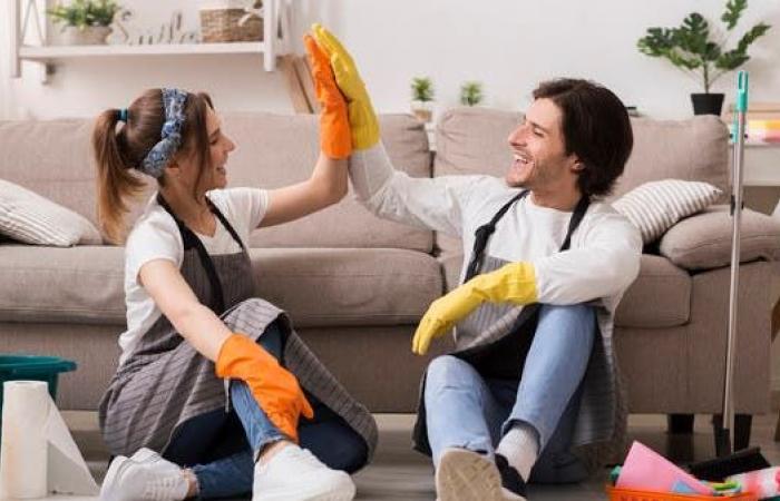 هل تعلم أن مشاركة الرجل بأعمال المنزل تقيه من الزهايمر؟