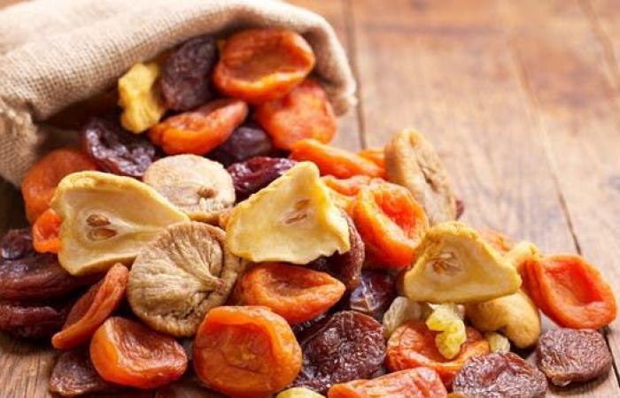لماذا يجب أن تحرص على تناول الفواكه المجففة في رمضان؟