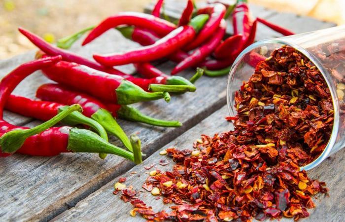 لونه أحمر.. طعمه لذيذ.. ويحوي كنزا من الفوائد أبرزها إنقاص الوزن