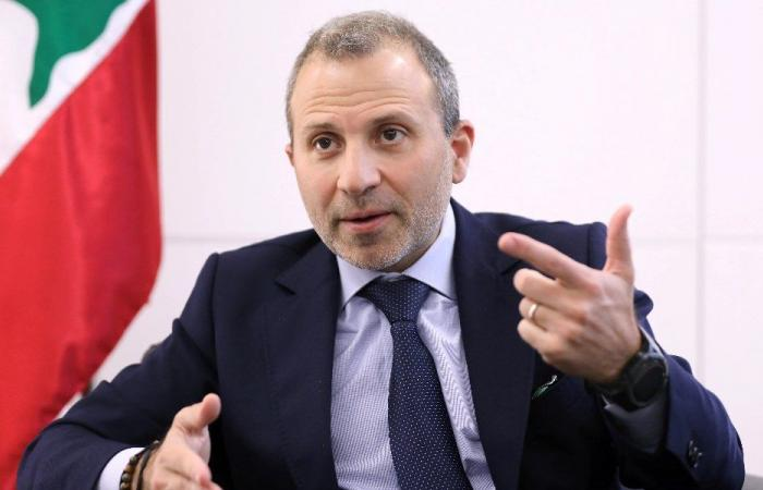 """""""حزب الله"""" ينزع عن باسيل """"وكالة"""" ترسيم الحدود"""