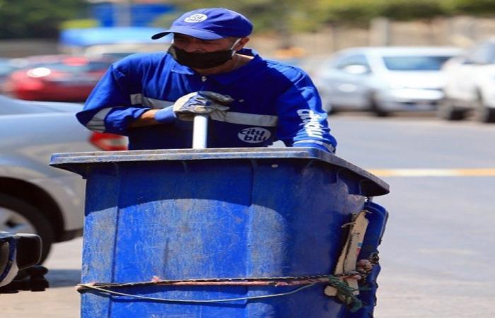 """عمّال النظافة اللبنانيون: """"بدنا وقت لنتعوّد""""!"""