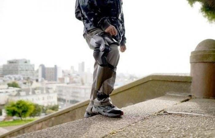 أول جهاز ذكي يقلل آلام الركبة ويحسن الحركة