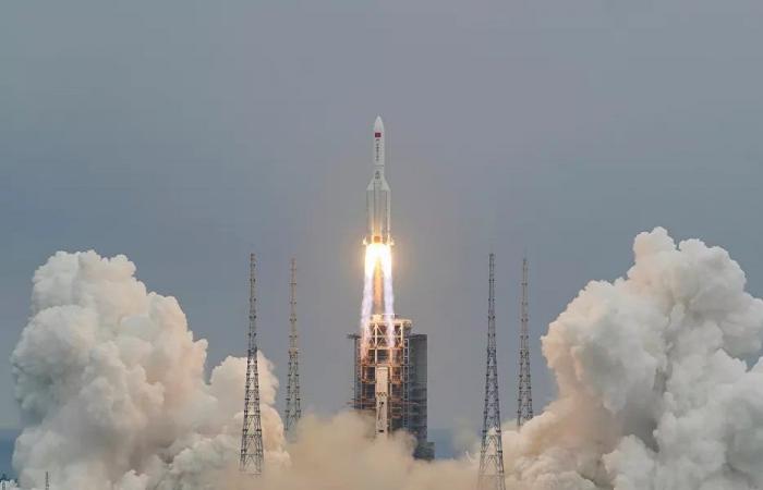 """صاروخ """"خارج عن السيطرة"""" يسقط على الأرض خلال أيام"""
