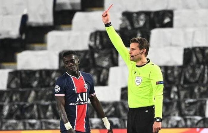 الاتحاد الأوروبي يوقف غاي لاعب باريس مباراتين