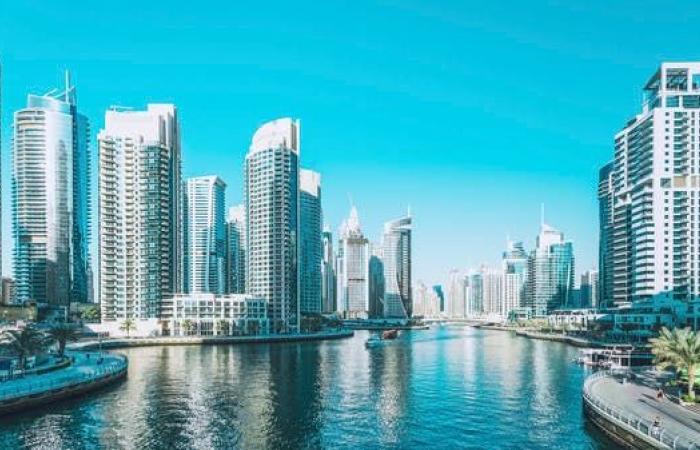 الإمارات تحدد أيام إجازة عيد الفطر
