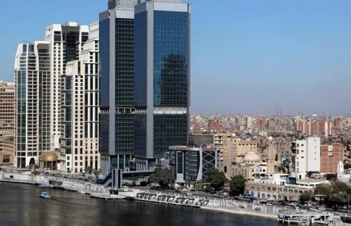 انكماش القطاع الخاص المصري للشهر الخامس على التوالي