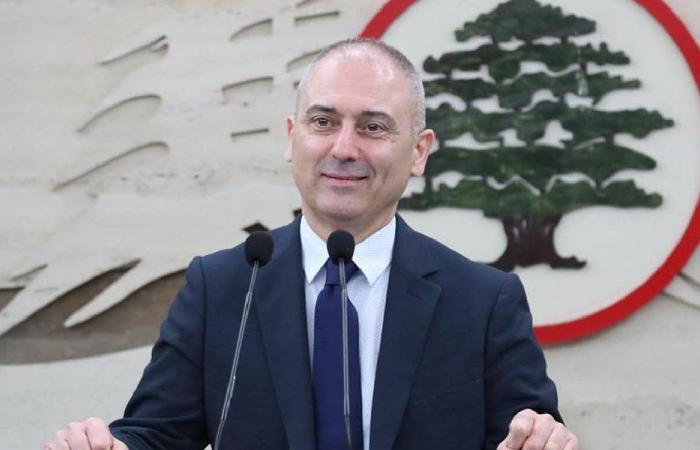 """محفوض: يرسّخ زعيم """"الحزب"""" هويته الإيرانية على حساب اللبنانية"""