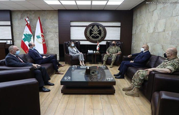 التعاون العسكري بين قائد الجيش والسفيرة الدانماركية