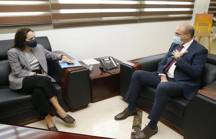 """ممثلة """"الصحة العالمية"""" عرضت مع حسن تلقيح موظفي الأمم المتحدة"""