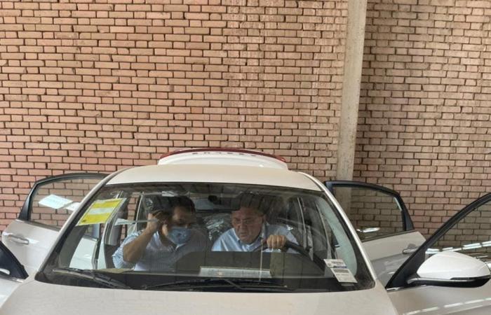 بالصور.. هذه اول سيارة كهربائية تصنع في مصر