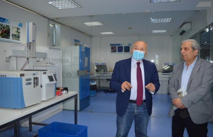دبوسي عرض مع زواره دور غرفة طرابلس في تفعيل الاستثمار