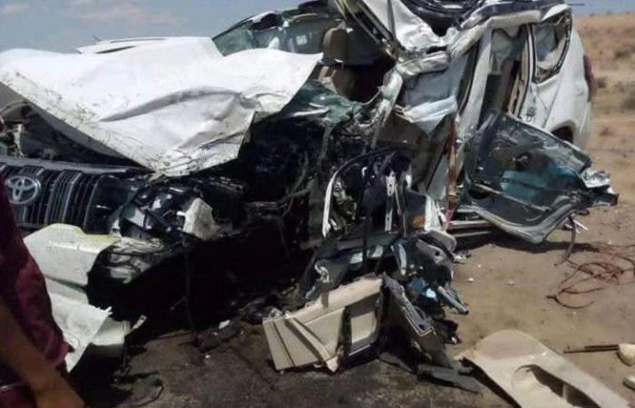 صور.. 13 قتيلا من عائلة واحدة بحادث مرور مروع باليمن