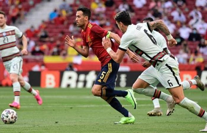 """إسبانيا تستدعي 4 لاعبين بعد إصابة بوسكيتس بـ""""كورونا"""""""