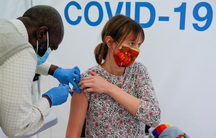 """متحور """"دلتا"""" يقلق بريطانيا.. هل اللقاحات قادرة على التعرف عليه؟"""