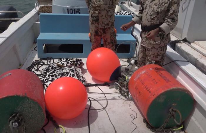 شاهد.. القوات المشتركة تتخلص من ألغام إيرانية بالبحر الأحمر