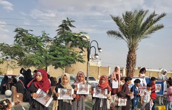 صور مؤثرة.. أطفال مأرب يتضامنون مع ليان ضحية مجزرة الوقود الحوثية
