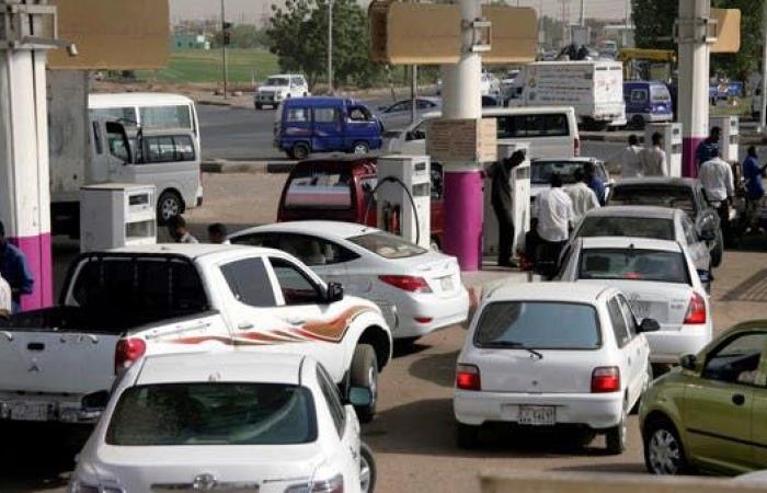 السودان يرفع الدعم عن الوقود.. والأسعار تحلّق