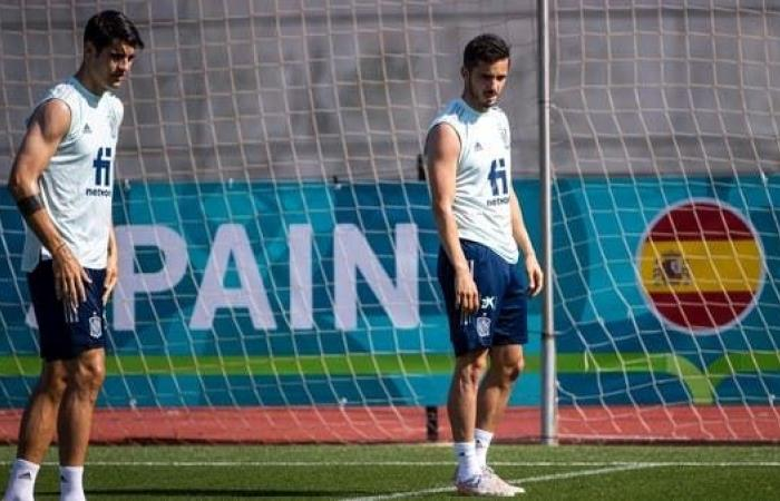 لاعبو إسبانيا يتلقون اللقاح قبل مواجهة السويد