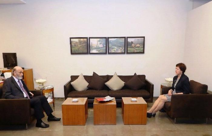 جعجع بحث مع فرونتسكا في تأليف لجنة دولية للتحقيق بانفجار المرفأ