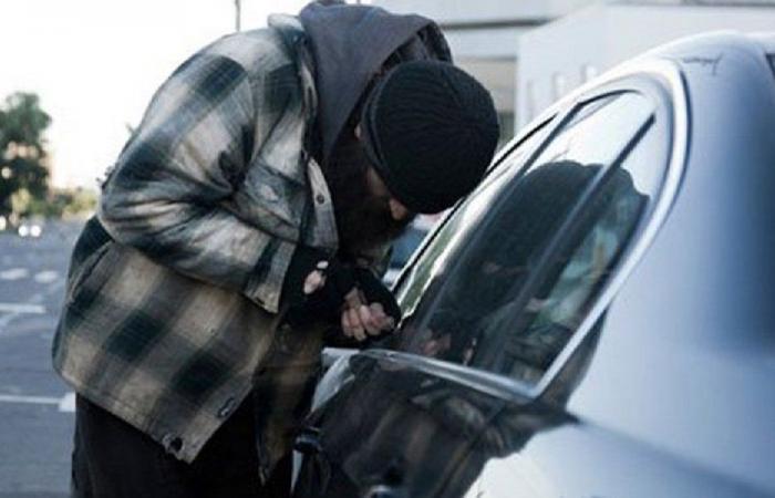 توقيف شخص سرق اكثر من 25 سيارة في منطقة حي السلم