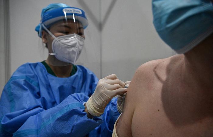 تطورات كورونا في الصين.. أكثر من مليار جرعة لقاح