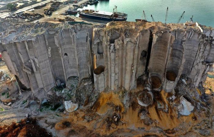 خطر جديد في مرفأ بيروت: مبنى الإهراءات ينهار!
